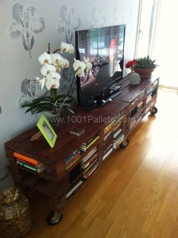 Amazing & Practical Tv Set from Recycled Pallets Pallet TV Stands & Racks
