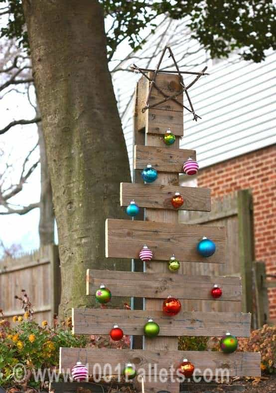 Branch starred pallet christmas tree 1001 pallets for Igloo decoration noel exterieur