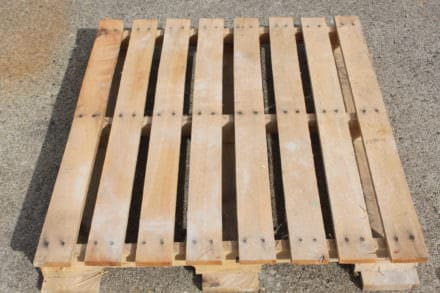 Learn How to Easily Disassemble A Pallet