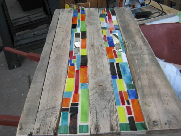 Mosaic Pallet Table Pallet Desks & Pallet Tables