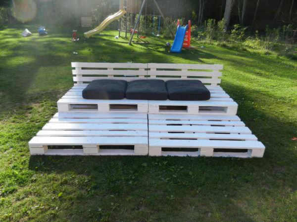 Pallet Bleachers in the Garden Lounges & Garden Sets