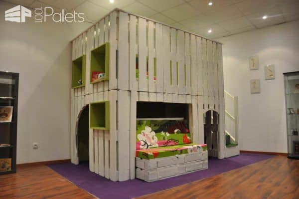 kid-house-from pallets0