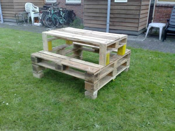 Pallets Picnic Table O 1001