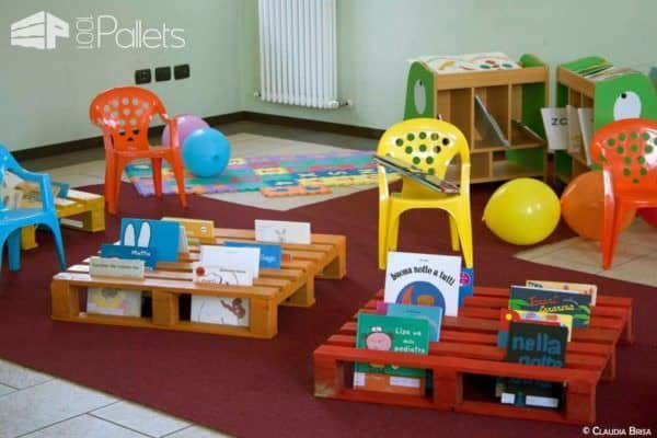 Books Pallet Rack Fun Pallet Crafts for Kids Pallet Bookcases & Pallet Bookshelves Pallet Shelves & Pallet Coat Hangers
