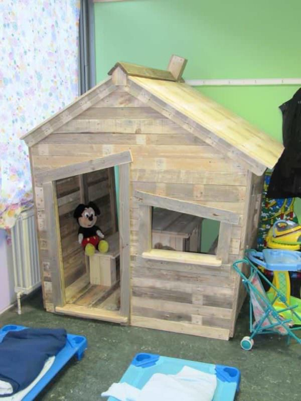 Child Hut in a School Made With Upcycled Pallets Fun Pallet Crafts for Kids Pallet Sheds, Pallet Cabins, Pallet Huts & Pallet Playhouses