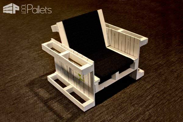 Four Pallets Seat Benches & Chairs