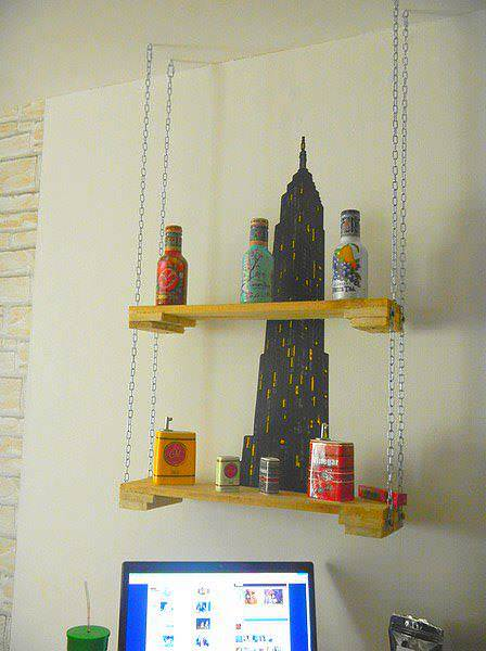 Hanging Pallet Shelf With Chains Pallet Shelves & Pallet Coat Hangers