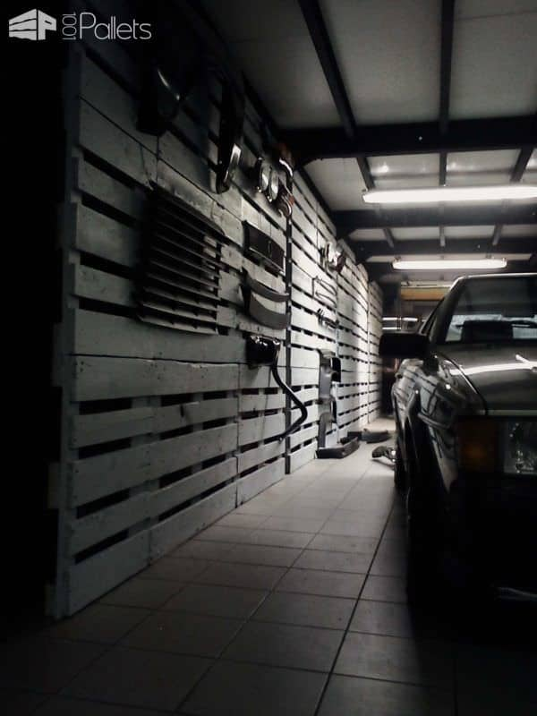 Pallet Wall for a Garage Pallet Walls & Pallet Doors