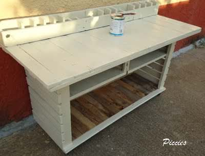 Pallet Workbench For My Craft Room Pallet Desks & Pallet Tables