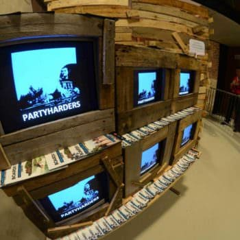 Pallets Beach House TV