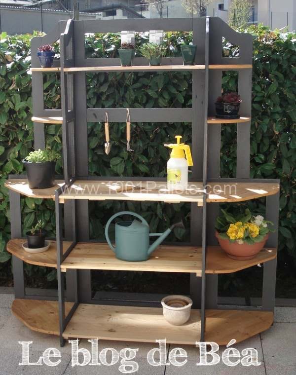 74704563 600x760 DIY: Shelf made of pallets wood in pallet furniture  with Shelves Pallets Furniture DIY Corner