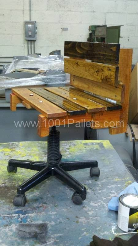 Chair 450x800 Pallet Furniture in pallet furniture  with Pallets Desktop Chair Bench