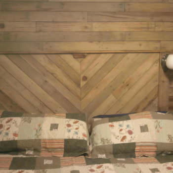 Built-in Bed Headboard & Wall With Recycled Pallets