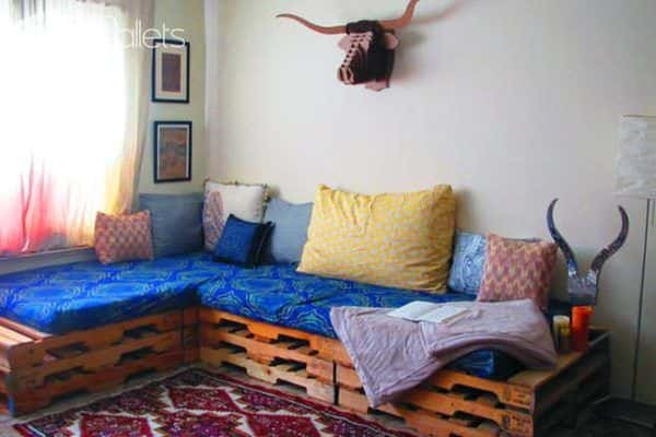 Diy: Upcycle a Pallet into a Couch Pallet Sofas & Couches