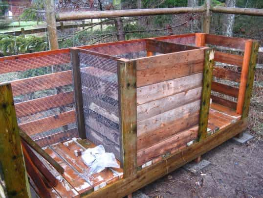 How to Make the Ultimate Compost Bin with Recycled Pallets Pallet Planters & Compost Bins