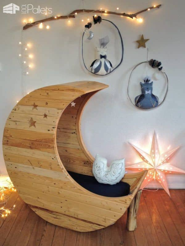 Moon Cradle Made Out Of Wooden Pallets 1001 Pallets