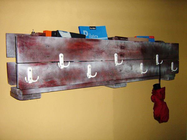 Pallet Coat Rack & Bookshelf (All in One) Pallet Bookcases & Bookshelves Pallet Shelves & Pallet Coat Hangers