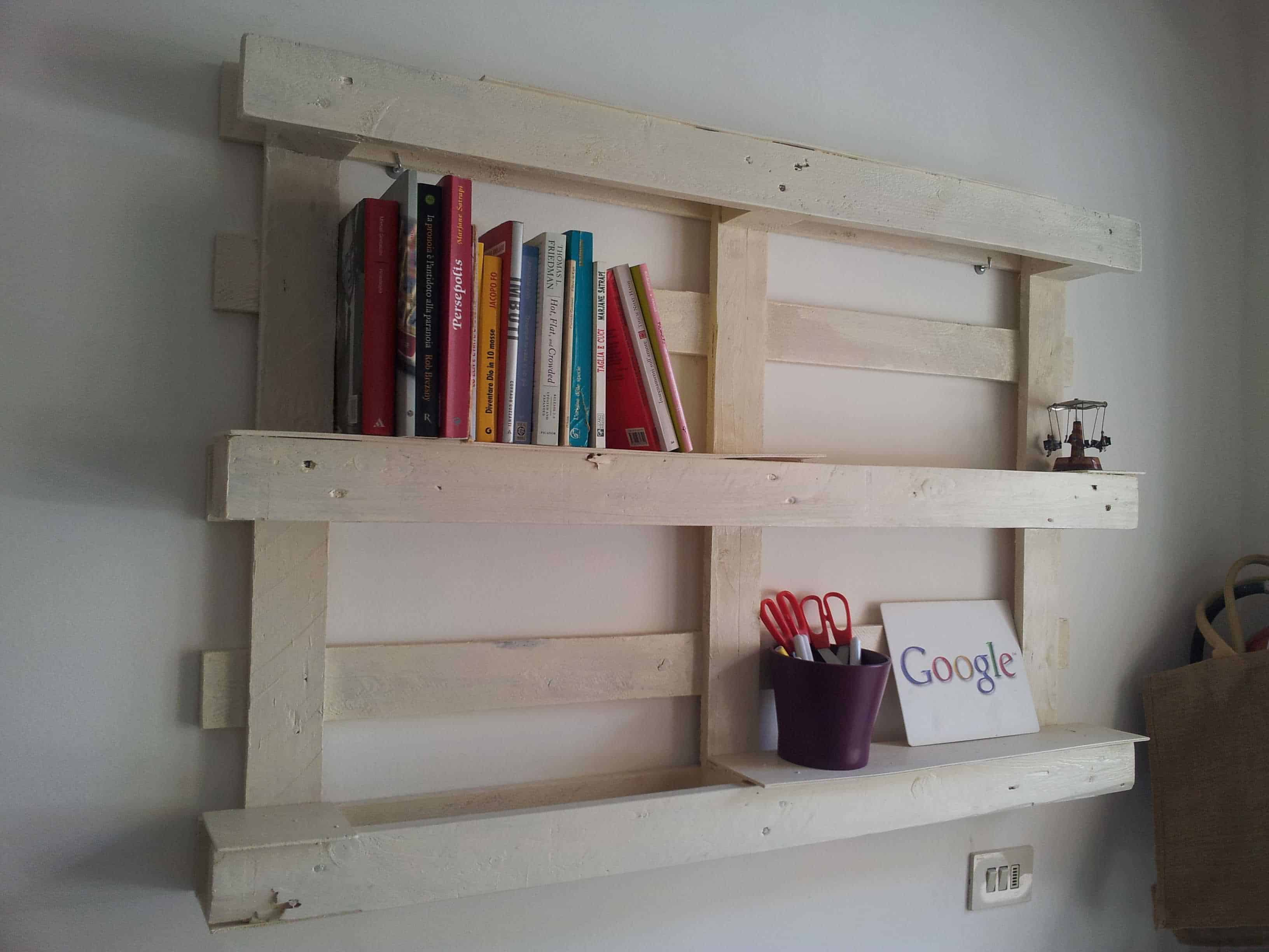 Pallet simple bookshelf 1001 pallets - Fabriquer une table lumineuse led ...