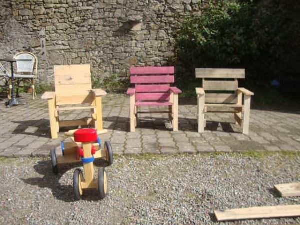 Pallets Garden Chair For Kids Fun Pallet Crafts for Kids Pallet Benches, Pallet Chairs & Stools
