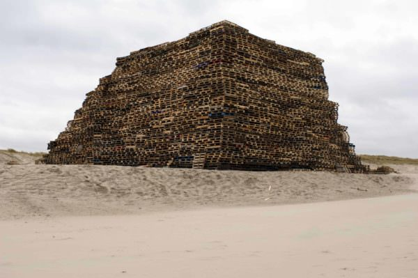 Stack of Pallets Pallet Sheds, Cabins, Huts & Playhouses