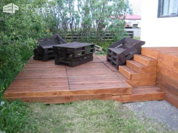 Terrace Made of 163 Recycled Pallets 3