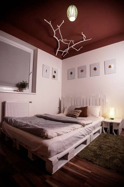 White Pallets Bed 1001 Pallets