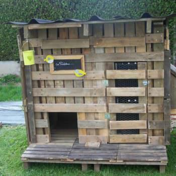 Chicken Coop Made Out Of Recycled Pallets