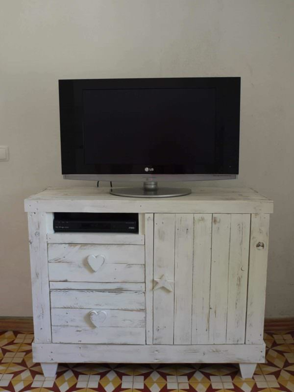 Pallet Chest Drawer/Tv Stand Pallet TV Stand & Rack