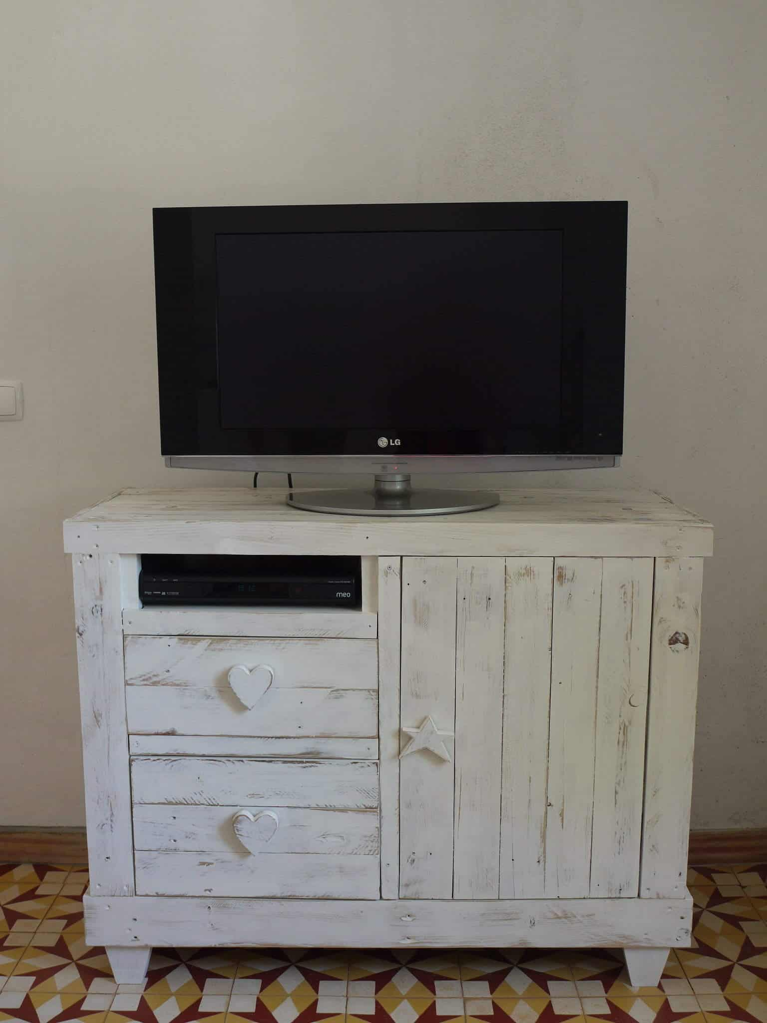 Pallet Chest Drawer Tv Stand 1001 Pallets