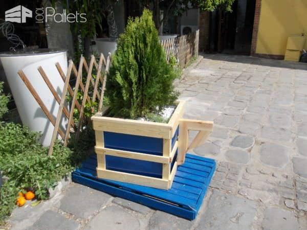 Pallet Coffee Cup Planter Pallet Planters & Compost BinsPallet Store, Bar & Restaurant Decorations