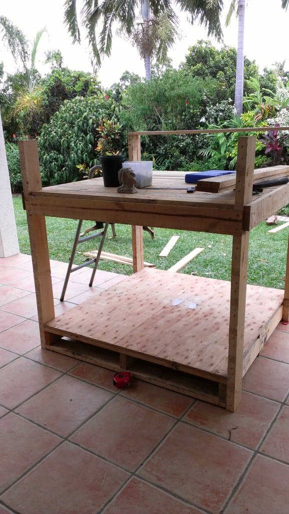 Building a cubby house out of pallets