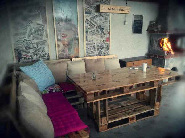 Pallets Dining Corner Set Pallet Desks & Pallet Tables