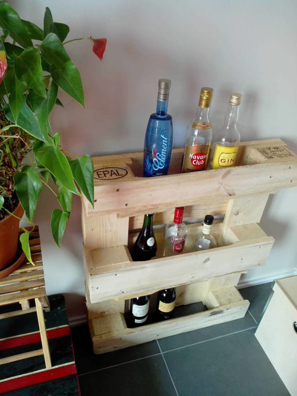 Small & Simple Pallet Bar Pallet Cabinets & Wardrobes