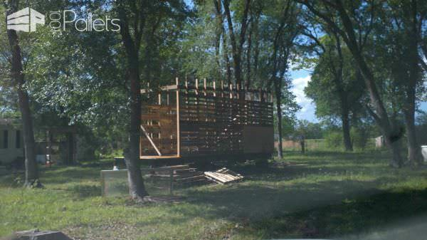 Tiny House on Wheels: Pallet Stud Walls Pallet Sheds, Cabins, Huts & Playhouses