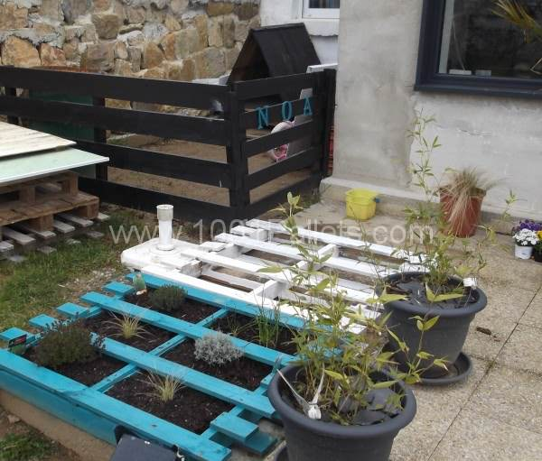 pallet garden3 600x511 Pallets Garden decoration and dog house in pallet garden pallet outdoor project  with Planter Pallets Garden Doghouse