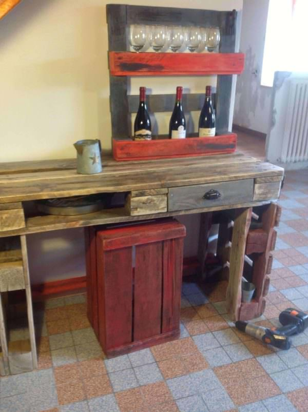 Kitchen Table & Wine Rack Out Of Recycled Pallets Pallet Desks & Pallet Tables