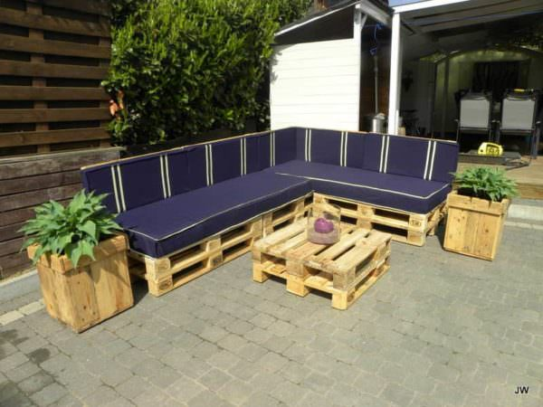 Lia En Jancito - Outdoor Sofa Set From Repurposed Pallets Lounges & Garden Sets