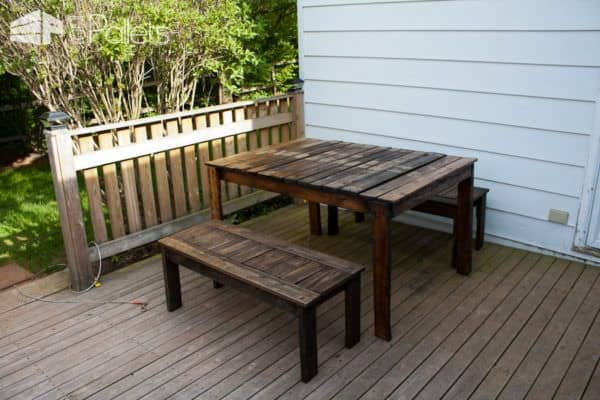 Outdoor Patio Set Made With Recycled Wooden Pallets Pallet Benches, Pallet Chairs & StoolsPallet Desks & Pallet Tables