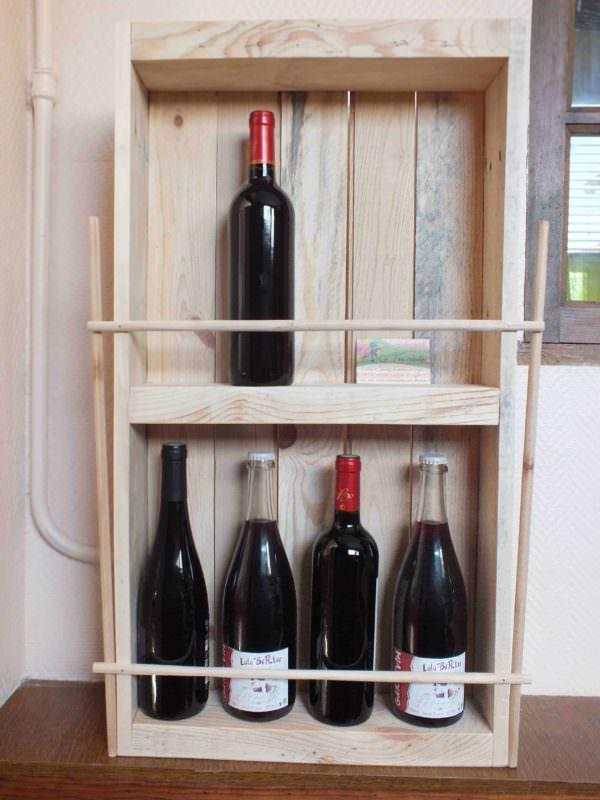 pallet rack for wine bottles etag re bouteilles en palette recycl e 1001 pallets. Black Bedroom Furniture Sets. Home Design Ideas
