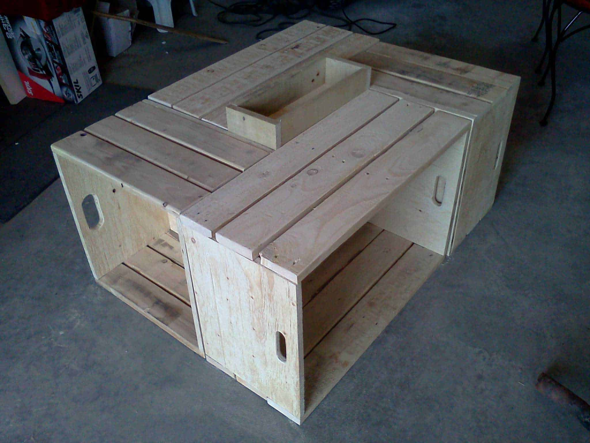 table basse pour le salon en bois de palettes recycled pallet wood coffee table 1001 pallets
