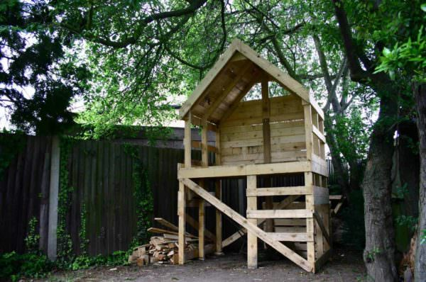 Upcycled Pallet Into Raised Hut Fun Pallet Crafts for Kids Pallet Sheds, Pallet Cabins, Pallet Huts & Pallet Playhouses