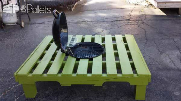 Grill/Fire Pit Table Made Out Of Repurposed Pallet Pallet Desks & Pallet Tables