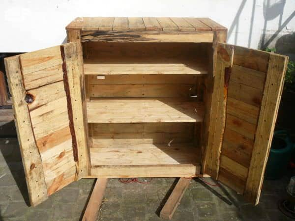 Upcycled pallet dresser 1001 pallets for Making cabinets out of pallets