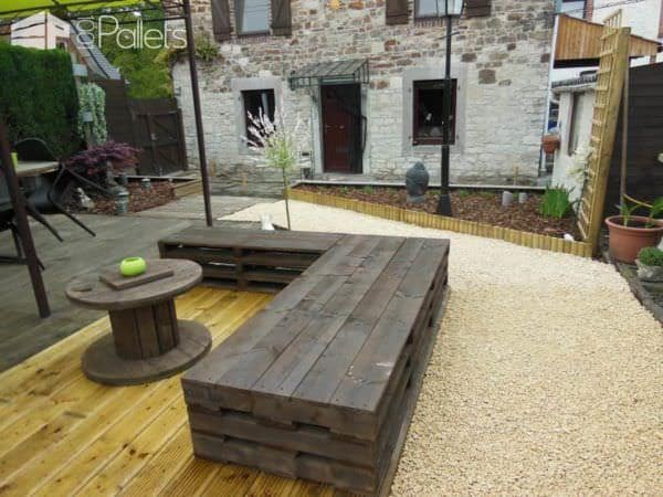 Zen Garden With Repurposed Pallets Pallet Fences Pallet Sofas