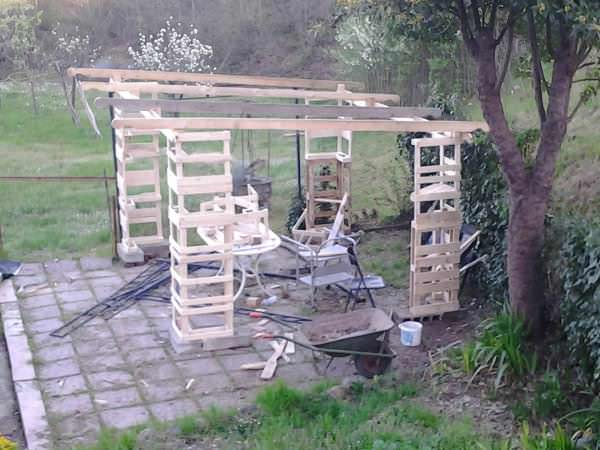 2013 04 14 19.16.57 600x450 Gazebo   Pallet shelter in pallet garden pallets architecture  with Pallets