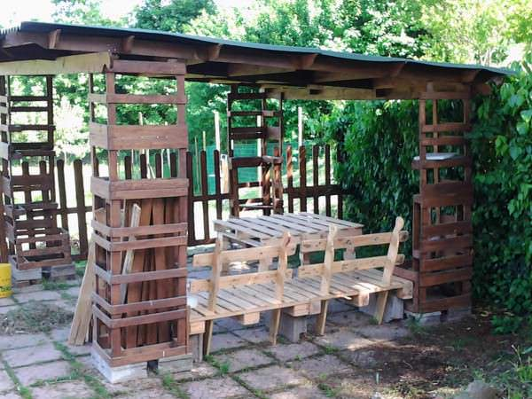 2013 05 09 15.44.27 600x450 Gazebo   Pallet shelter in pallet garden pallets architecture  with Pallets