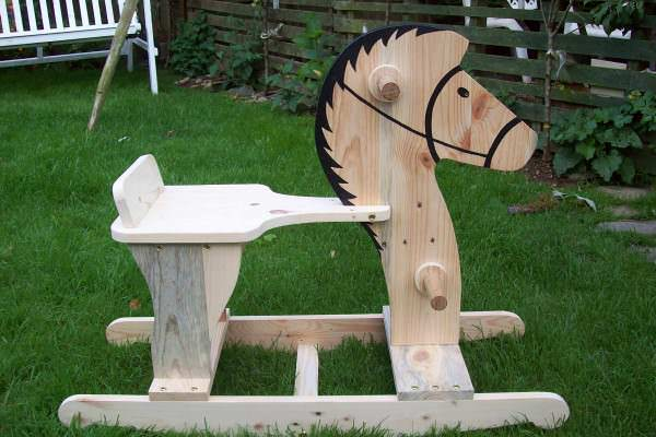 'Rocco' The Rocking Horse Fun Pallet Crafts for Kids