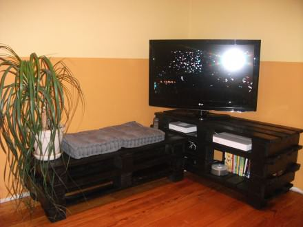 TV Stand from pallets