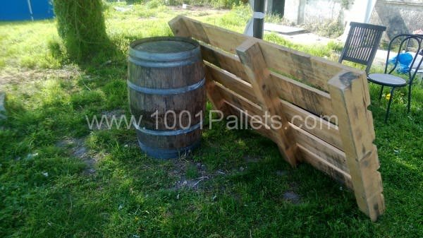 WP 20130425 007 600x337 Pallets Garden set / Salon de jardin en palettes in pallet garden  with Table Pallets Garden Bench