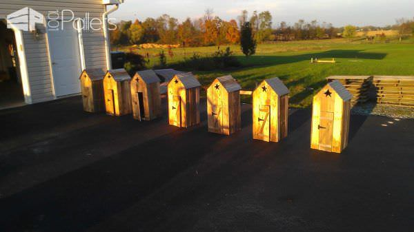 Mini Outhouses Made With Repurposed Pallets Pallet Sheds, Cabins, Huts & Playhouses
